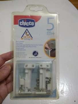 Traba de seguridad para puertas de muebles CHICCO