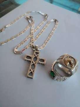 Como cadena y anillos de plata italiana