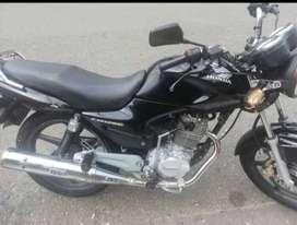 Se busca conductor de moto