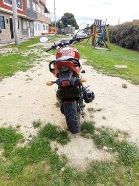 Vendo moto Yamaha 150 modelo 2014