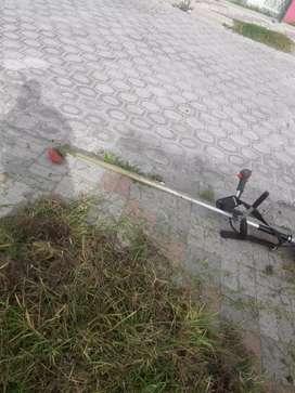 Se realiza trabajos de jardinería  plomería