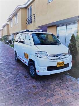 Camioneta Susuky APV placa amarilla