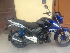 Se vende moto italika azul 150