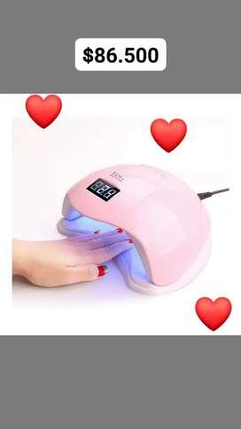 Perfectamente diseñado para expertos en uñas. ñ