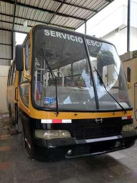 Autobús Marca Hino año 2005 Expreso Escolar