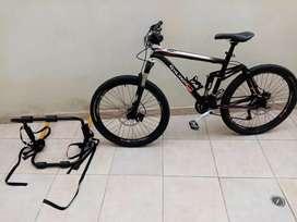 Bicicleta nueva de excelentes características más apoyo para la misma