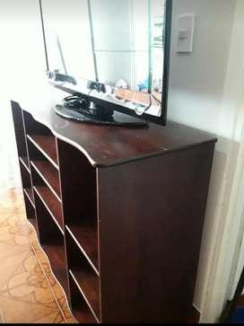 Mueble multiusos varios compartimentos  usado en buen estado