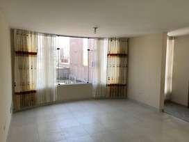 Departamento en 3er piso con cochera en Urb. Privada de Sachaca.