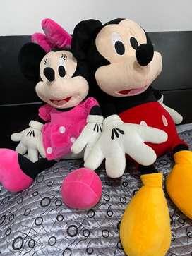 peluche de Mickey y mini mouse