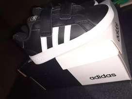 Zapatilla Adidas nueva