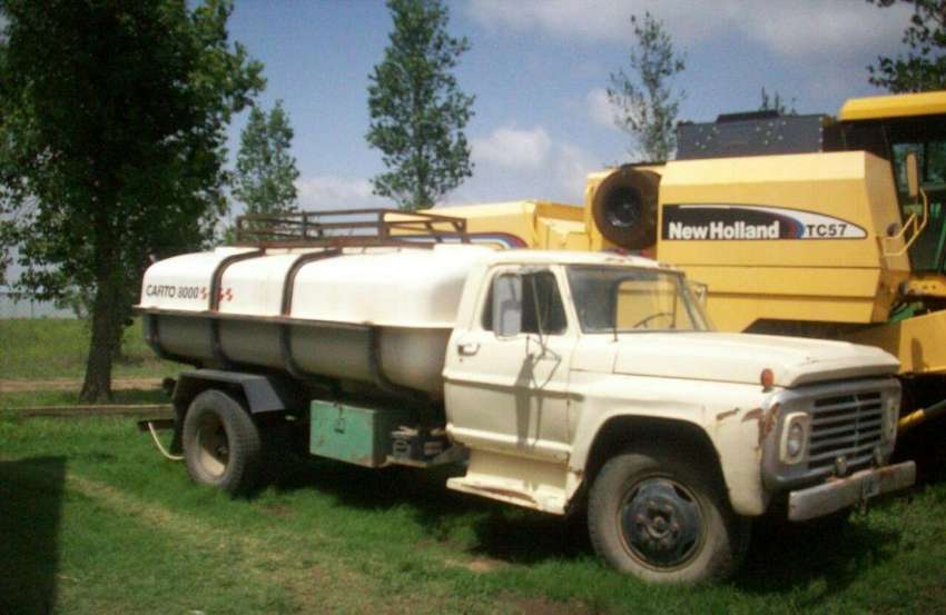 Camion Cisterna 8000LTS Ford F600 0