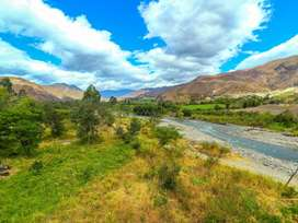 En Venta Precioso Terreno Plano Junto al Rio de 1.5 Hectareas en Quinara