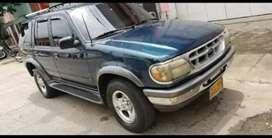 Vendo camioneta Ford Explorer mod 96