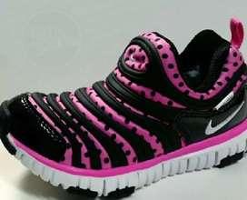 Nike free Dynamo para niñas