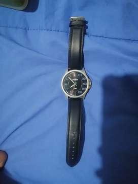 Vendo reloj totto original