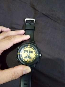 Reloj umbro negro con dorado