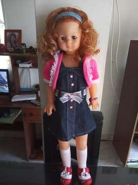 Se vende muñeca en perfecto estado