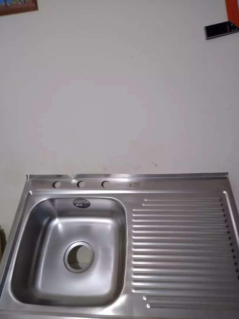 Lavaplatos Ferremetal con mesón 3 huecos 0