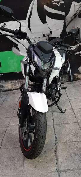 Vendo moto hero Hunk 160R  India