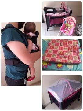 Corral, silla mecedora y vibradora, colchoneta antireflujo, cargador de bebe