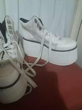 Botinetas tipo zapatillas