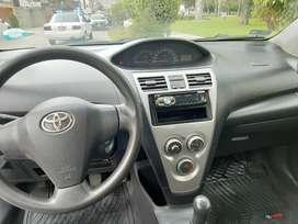 Vendo mi carro Toyota Yaris 2012