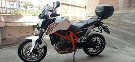 Vendo hermosa KTM DUKE 690