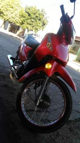 Vendo moto titular conocido