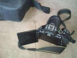 Vendo  camara nikon D5500 Poco Uso reflex