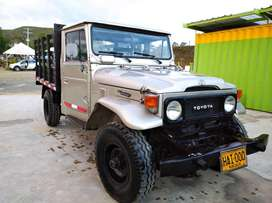 Camioneta Toyota Land Cruiser