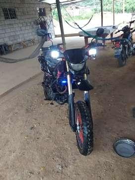 Bendo moto tundra 250 $800 negosiable
