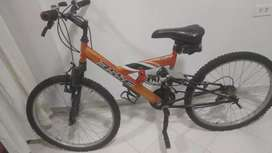 Vendo bicicleta todoterreno en buen estado.