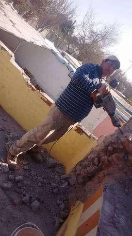 Hago trabajos  de albañilería  y demolición