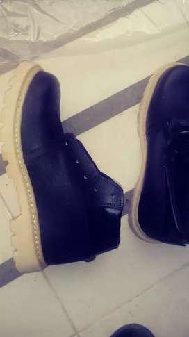 2 Zapatos de Seguridad Dielectrico cada uno a S/.35, usado segunda mano  Perú