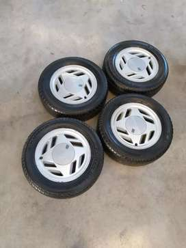 Vendo 4 ruedas de fiat uno