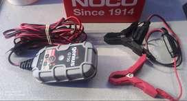 Cargador de Batería para moto. Marca Norteamericana - Prácticamente nuevoo