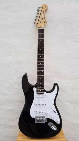 Vendo guitarra Stratocaster