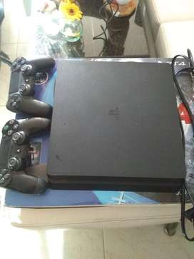 Vendo ps4 super slim