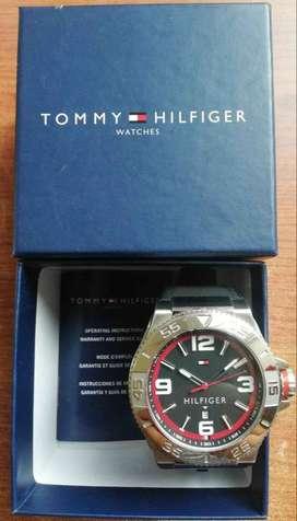 Tommy Hilfiger Men's 17910. Display Quartz Black Watch