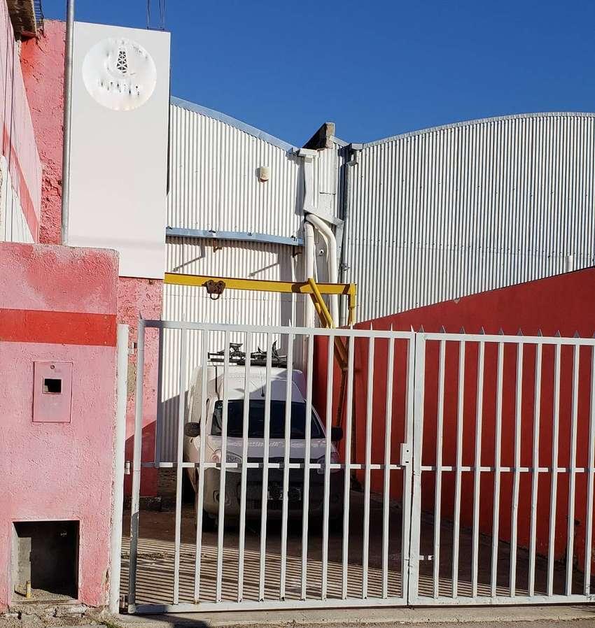 Alquiler de Galpón, excelente ubicación en la ciudad de Neuquén 0
