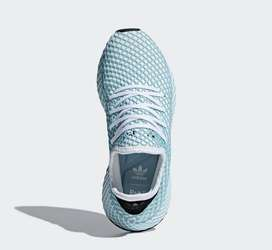 Adidas Deerupt Size 41.5
