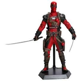 Figura Coleccionable Deadpool Espadas