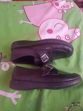 Zapato colegial niña talla 31