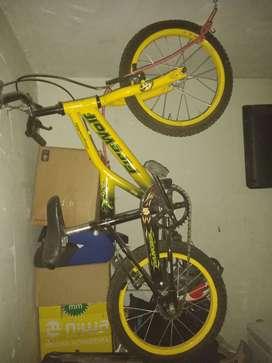 Vendo bicicleta d niño ,rodado 16