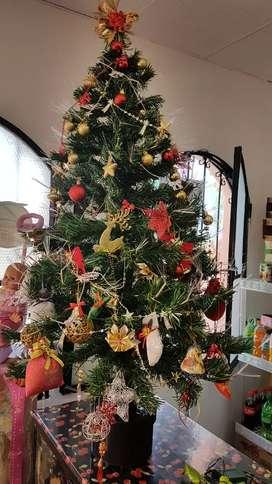 Arbol navideño de fibra óptica con todos sus adornos