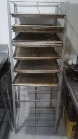 Panaderia pequeña lista para trabajarla