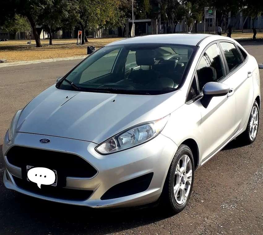 Ford Fiesta Kinetic Sedán 2014 Nafta