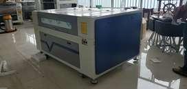 Máquina  laser 130x90 Tubo 130w