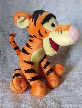 IMPECABLE Peluche de colección Tigger tigre, serie Winnie The Pooh.