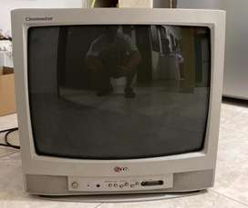 Televisor LG Cinemaster